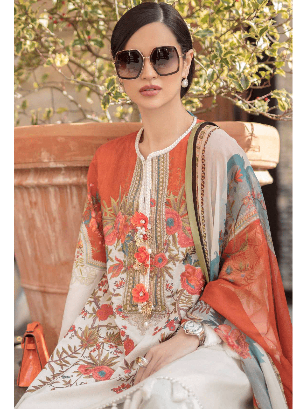 Sana Safinaz Luxury Lawn Summer 2019 Unstitched 3PC Suit SS-19-8A - FaisalFabrics.pk
