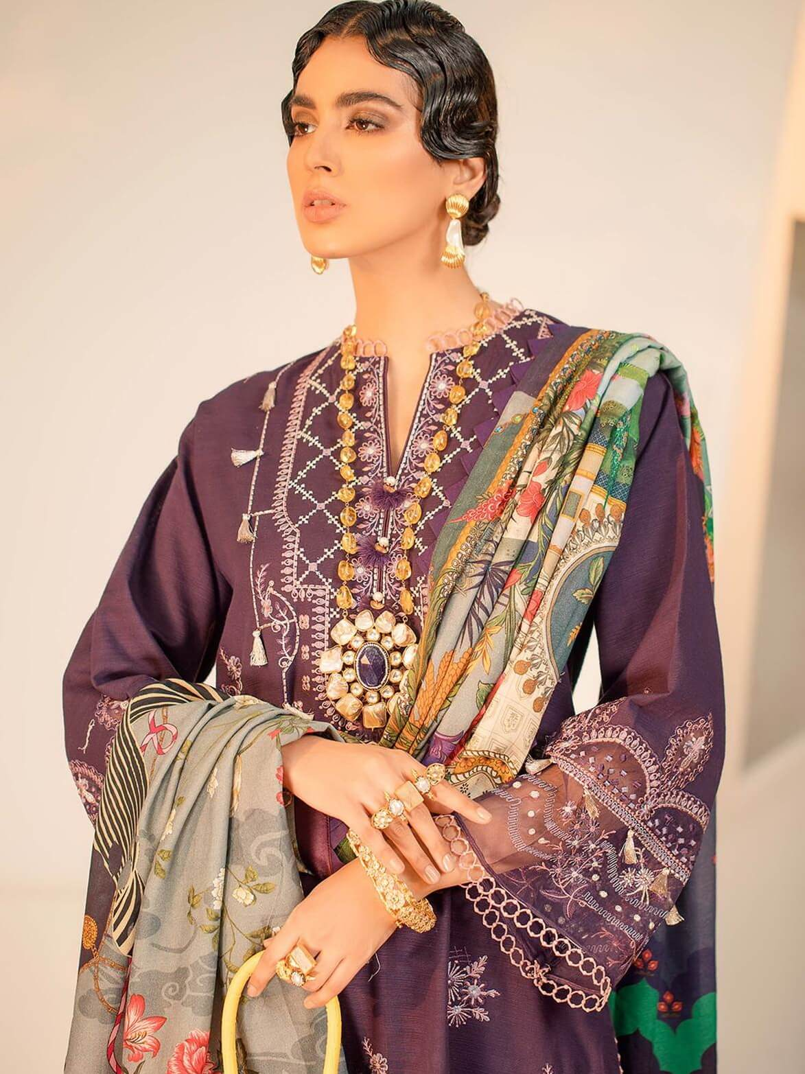 Seran Embroidered Khaddar Unstitched 3Pc Suit D-09 Royal Enchanter