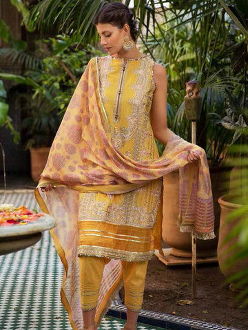 Sobia Nazir Luxury Embroidred Lawn Collection 2020 3pc Suit D-2A
