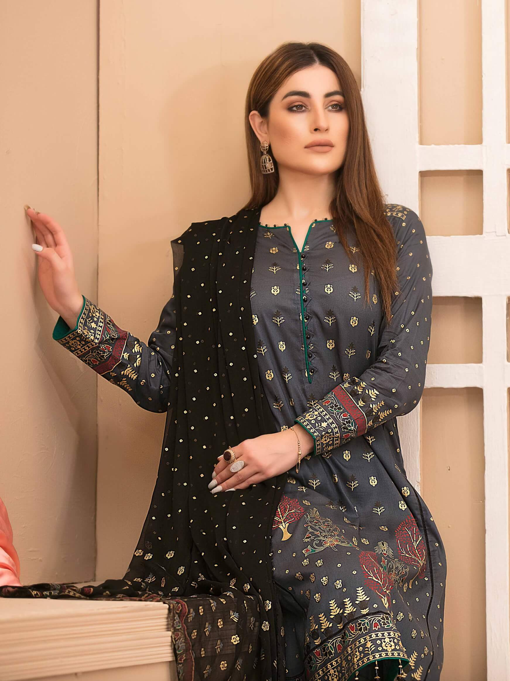 Amna Sohail Banarsi Lawn Gold Pearl Print Collection 3PC Suit ASJ-8770 - FaisalFabrics.pk