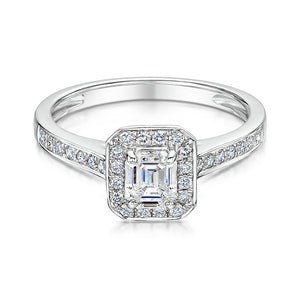 Emerald cut diamond ring in 18ct white gold