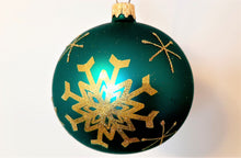 Load image into Gallery viewer, Christmas Ornament - Snowflakes 1