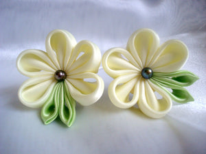 Bridal Ivory Flowers, Set of Two - Tsumami Kanzashi Bobby Pins