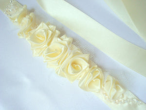 Small Ivory Roses Sash Belt - Wedding Dress Sash - Bridal Dress Sash