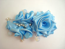 Load image into Gallery viewer, Sample Bridal Hair Clip with Pearls