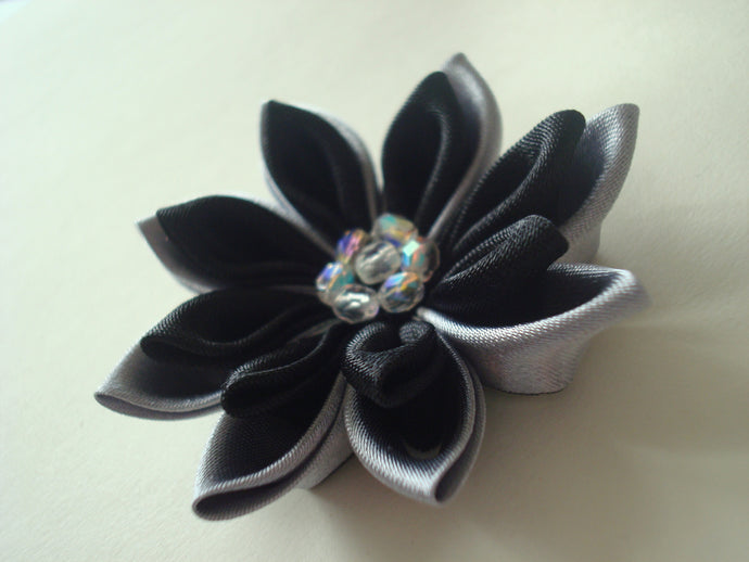 Black and Gray Kanzashi Flower Hair Clip