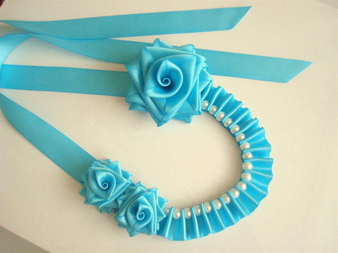 Turquoise Roses and Beads Ribbon Necklace