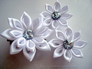 White Kanzashi Flowers - Set of Three Hair Fascinators