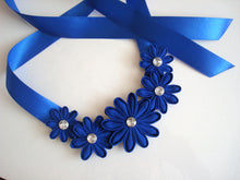 Load image into Gallery viewer, Blue Daisy Kanzashi Necklace
