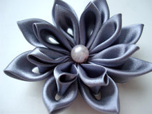 Load image into Gallery viewer, Elegant Kanzashi Flower Hair Clip