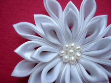 Load image into Gallery viewer, White Kanzashi Hair Clip with Freshwater Pearls