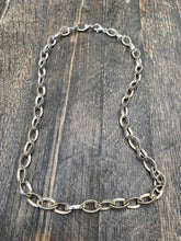 Load image into Gallery viewer, Figure of Eight Necklace - Mon Bijoux