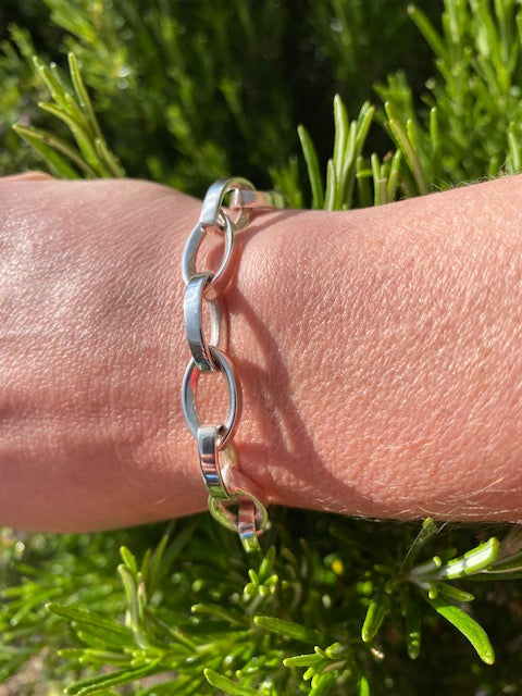 Figure of Eight Silver Bracelet - Mon Bijoux