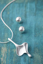 Load image into Gallery viewer, Stylish Scandinavian Sterling Silver Hourglass Pendant - Mon Bijoux - Mon Bijoux