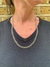 Load image into Gallery viewer, Circle Link Sterling Silver Chain Links Necklace - Mon Bijoux