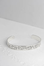 Load image into Gallery viewer, Perseverance Quote Silver Bangle - Mon Bijoux