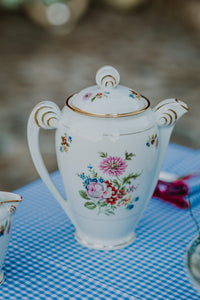 Delicate flowers Tea Set