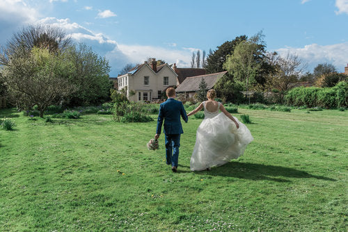 Rianne + Callum: A Priceless Real-life Fairytale On A Budget