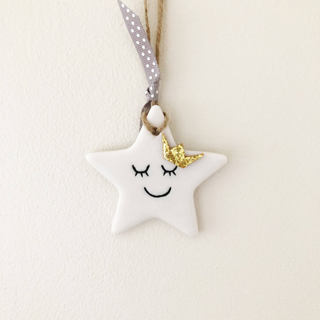 Sleepy White Star Wall Decor