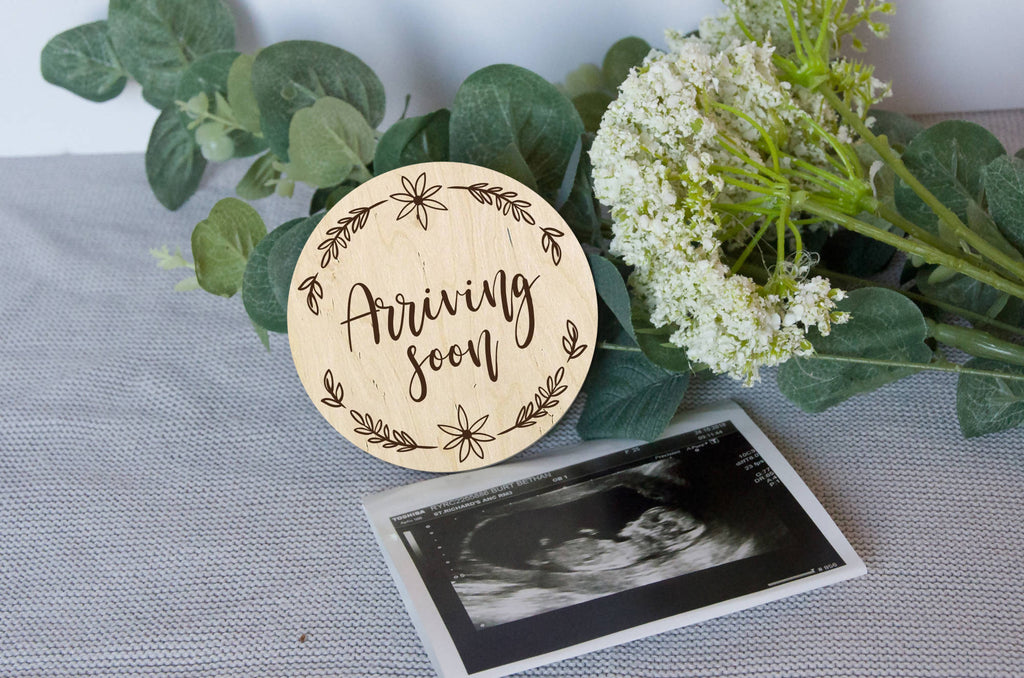 Arriving soon Baby announcement photo prop, pregnancy announcement gift