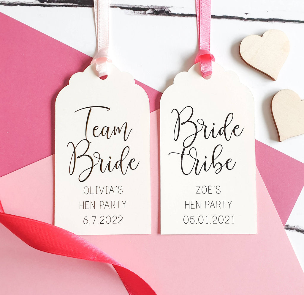 Pack of 5 Bridal Shower Favour Tags, Hen Party Favour Tags. Cream & Pink Luggage Tags for Bridal Shower Decoration.