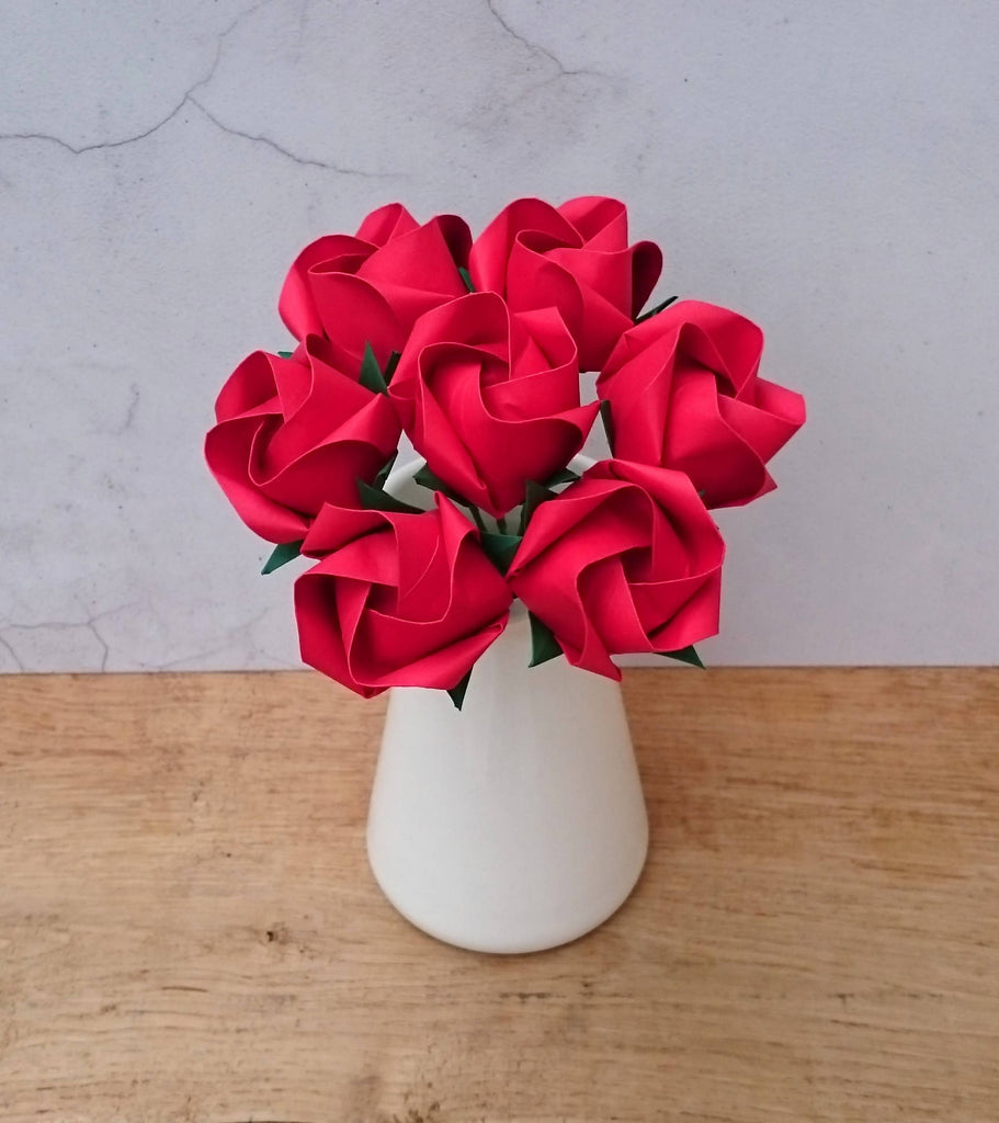 bouquet of origami roses, red