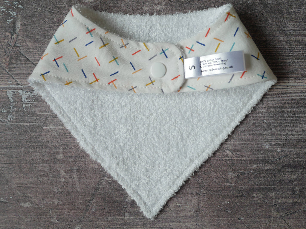Gender neutral dashes bamboo baby bib