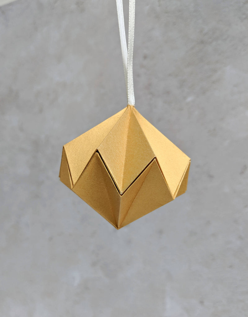 gold metallic paper tree bauble
