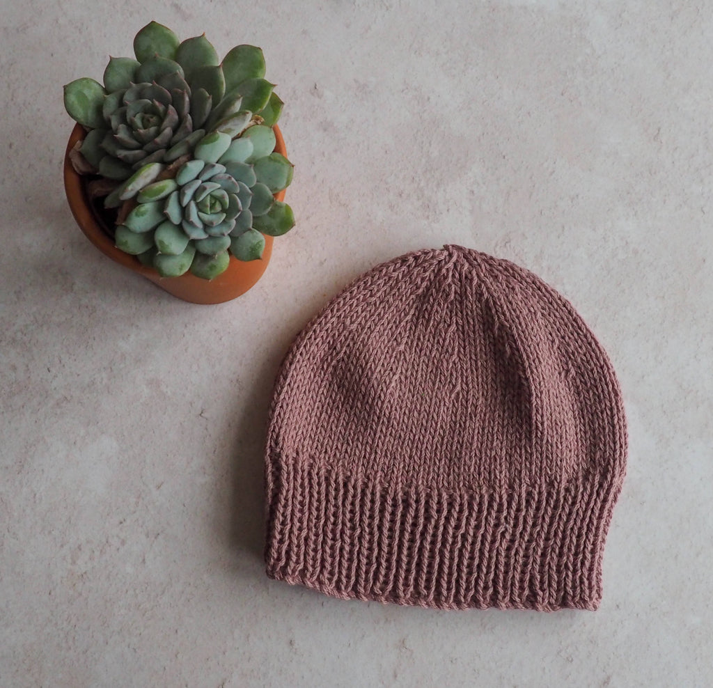 Camber Beanie in rose