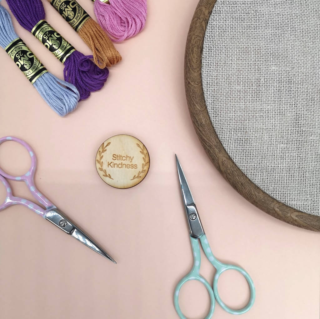 Polka Dot Pastel Shades Embroidery Scissors