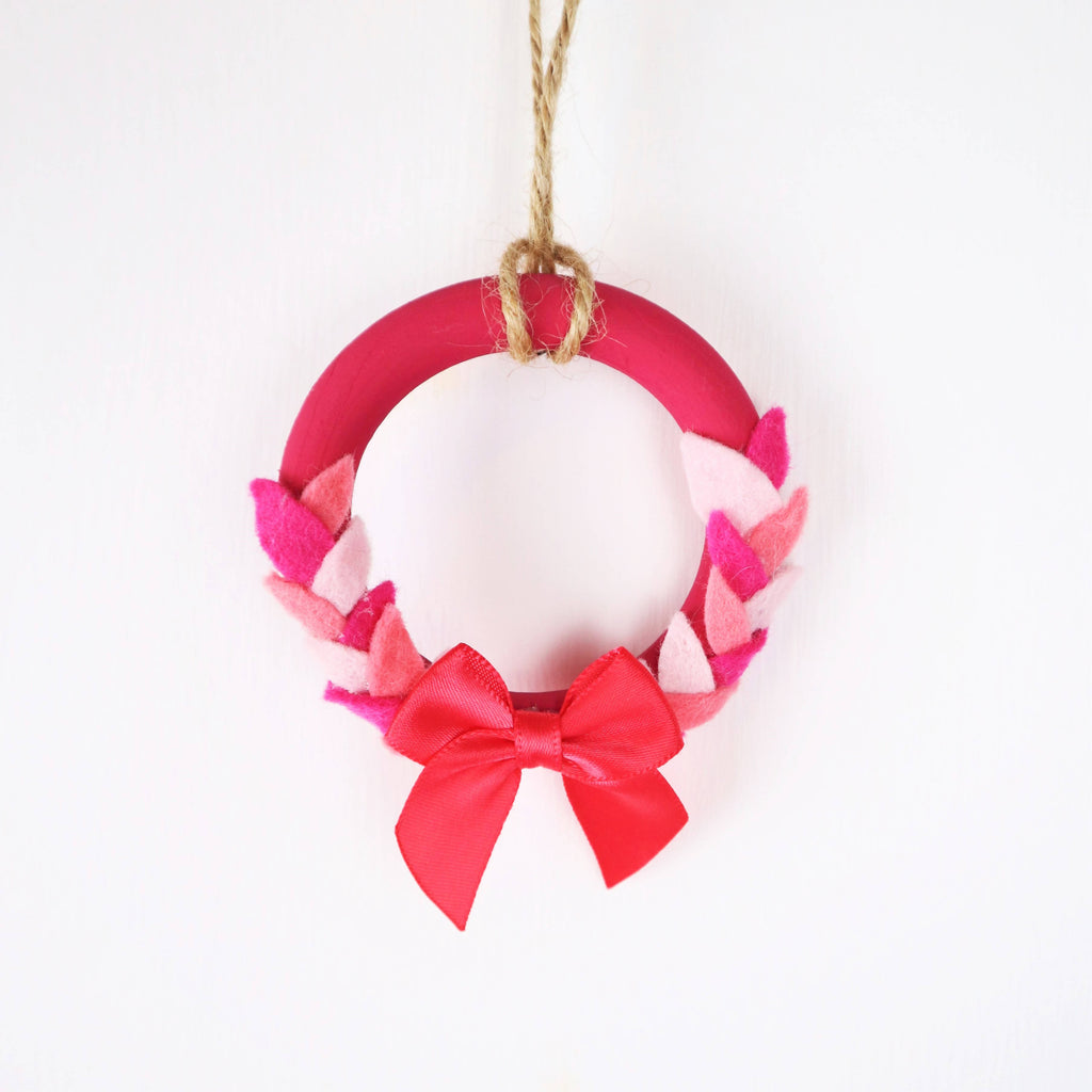 Mini Wooden Wreath Christmas Decoration
