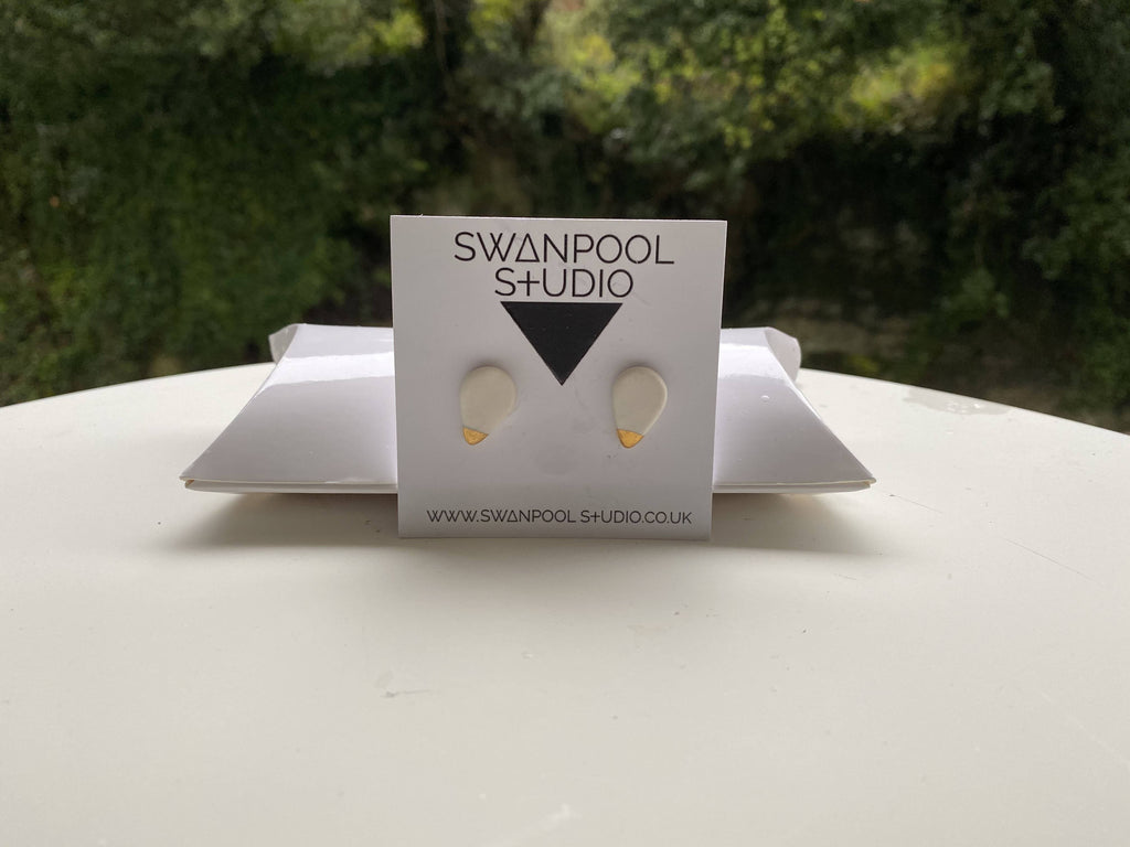 Gylly Teardrop Stud Earrings