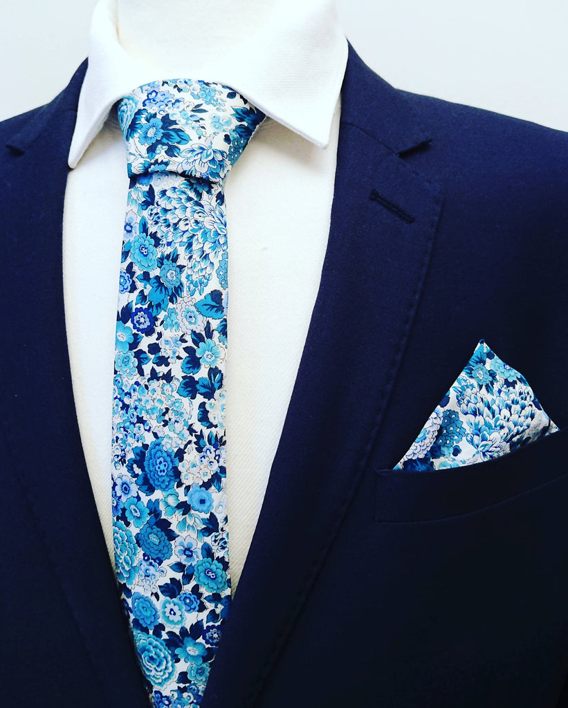 Liberty Elysian Blue Tie and pocketsquare set