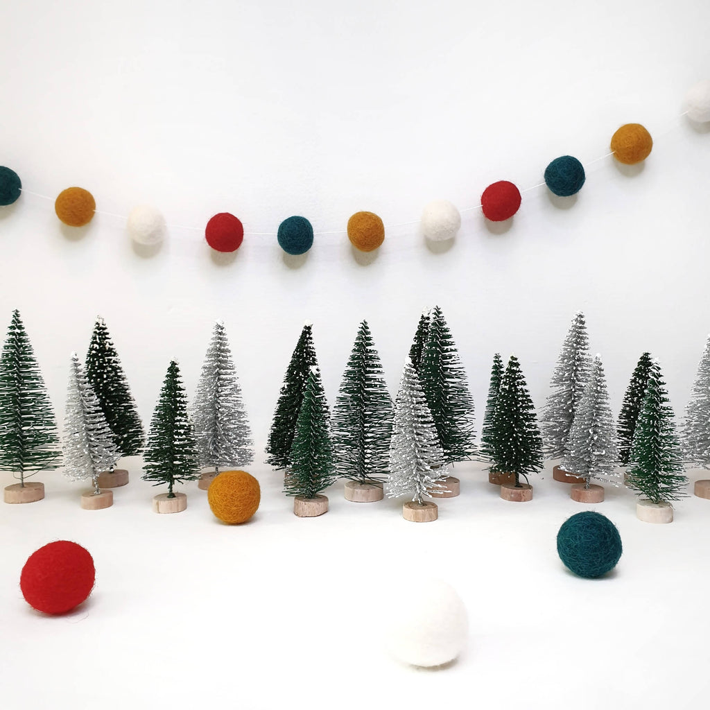 Jingle Bells Pom Pom Garland - Felt Ball Nursery Decor