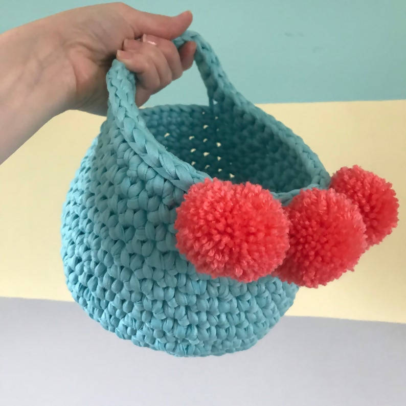 Crochet Hanging Basket