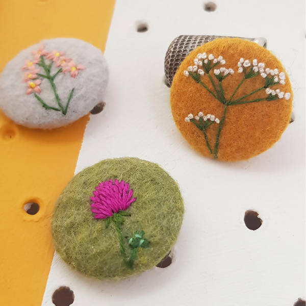 Embroidered wild flower badge set