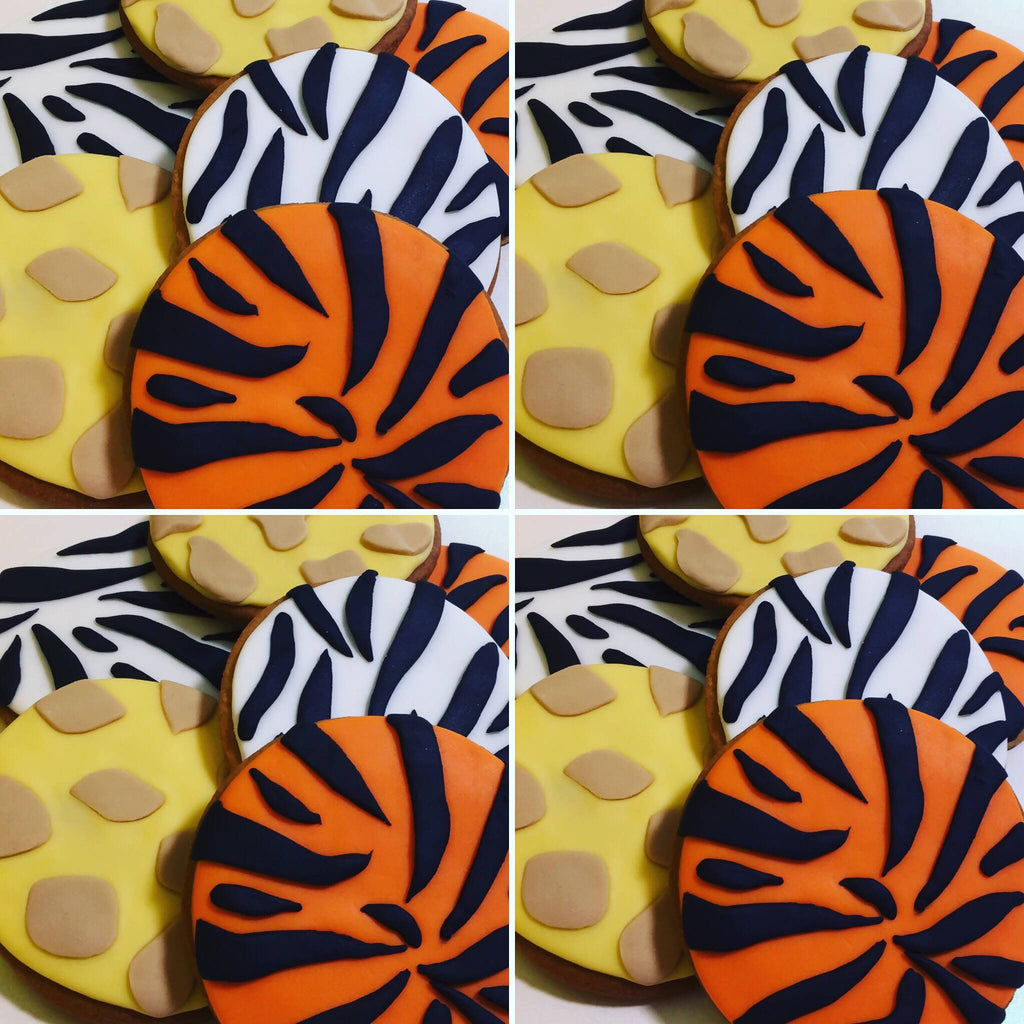 12 x Animal Print Party Favours