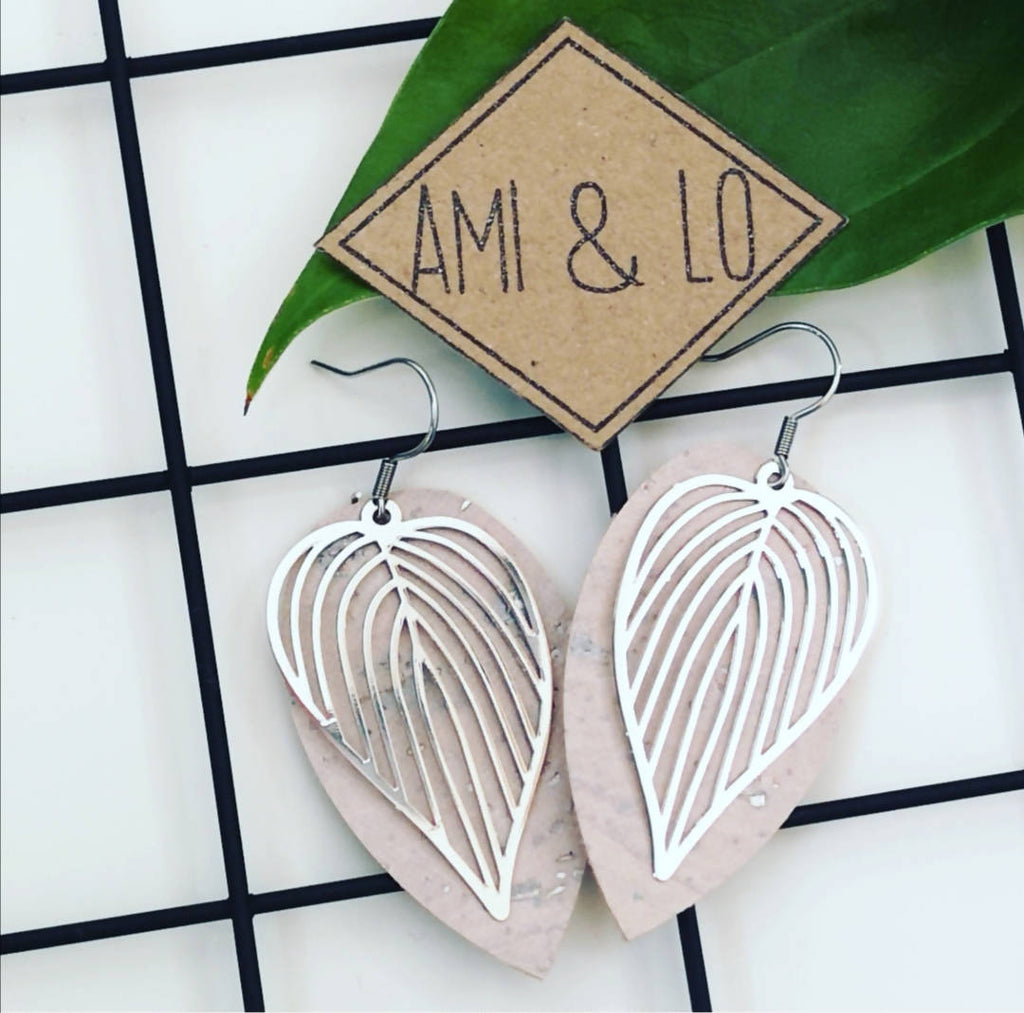 Leaf cork leather earrings (silver colour)