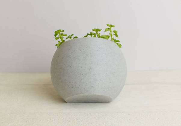 Tilted Sphere Pot