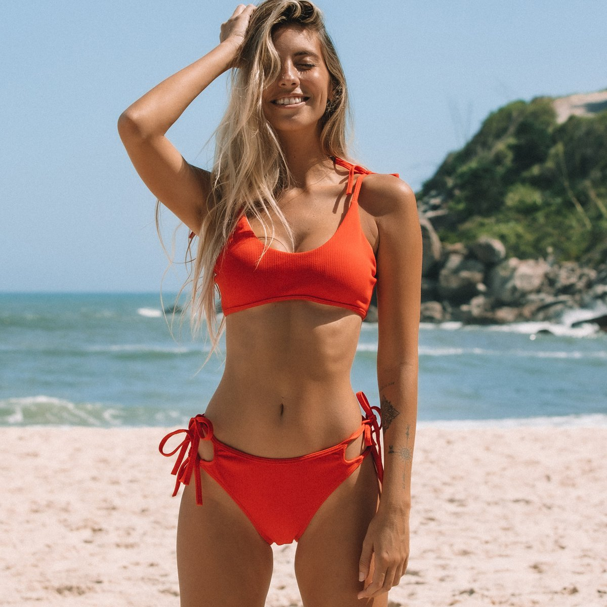 Solid Color Tie Design Low Waisted Bikini Set