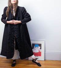 Load image into Gallery viewer, 1980s Black Taffeta Evening Coat