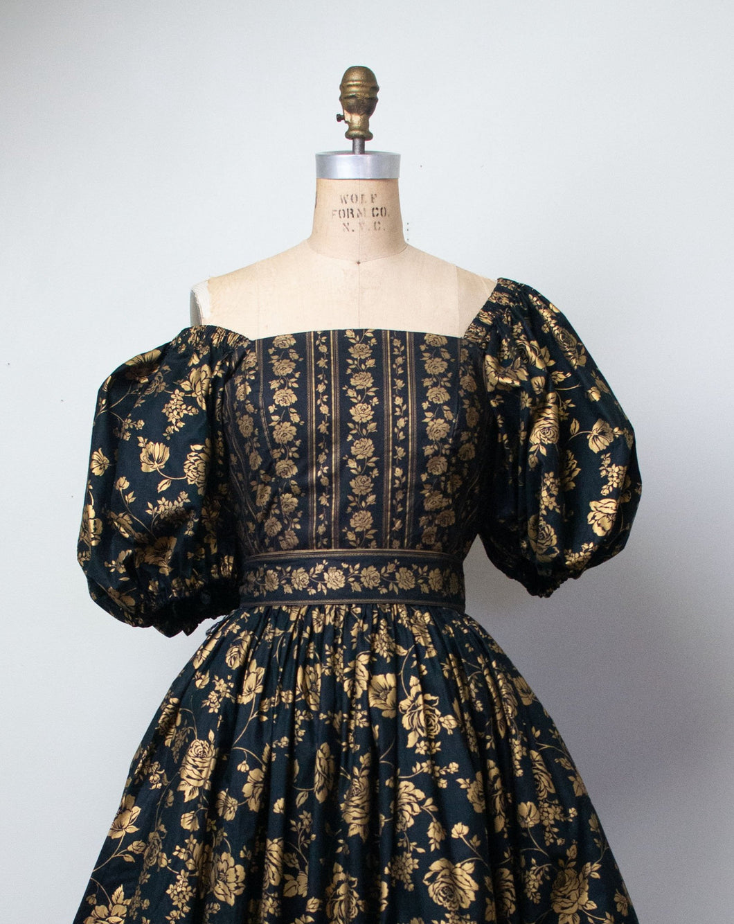 1980s Floral Print Puff Sleeve Dress