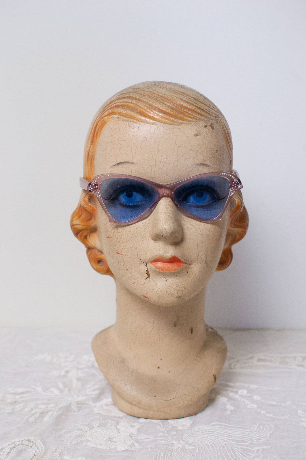 1950s Mauve Butterfly Sunglasses