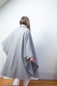 SALE 1980s Gray Wool Cape