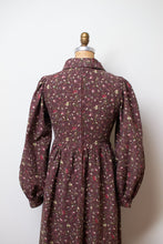 Load image into Gallery viewer, 1970s Floral Print Dress | Laura Ashely