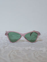 Load image into Gallery viewer, 1940s Mauve butterfly Sunglasses