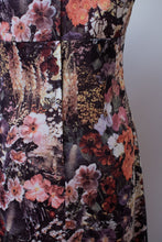 Load image into Gallery viewer, 1970s Photo Floral Print Dress