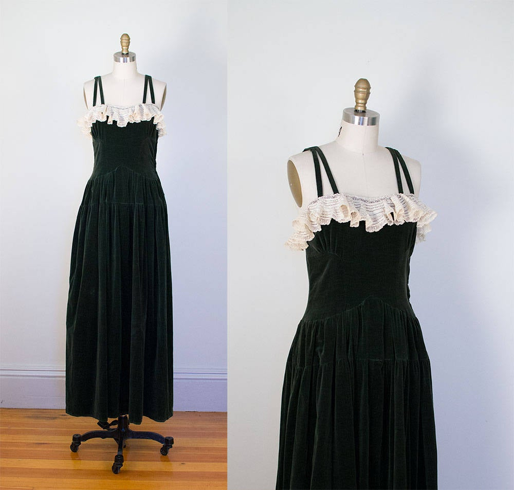 1940s Green Velvet Dress / 40s Gown