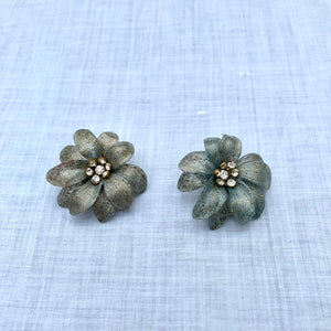 1960s Plastic Glitter Flowers Clip On Earrings