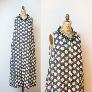 1970s Daisy Print Dress